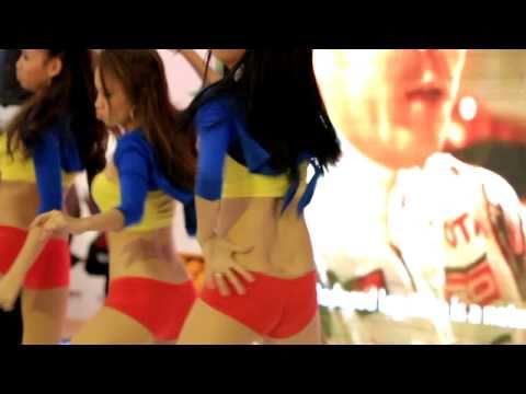 2010 Manila Motor Show Dancer
