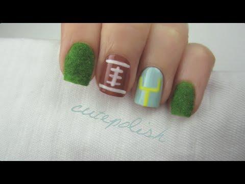 Fuzzy Super Bowl Nails!