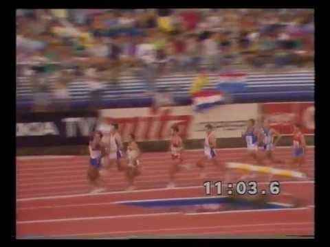 Atletismo :: Dionísio Castro em 4º lugar nos 5000m dos Campeonatos da Europa em 1990, em Split