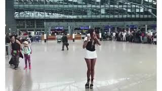 Регине Тодоренко сорвали юбку!!!!