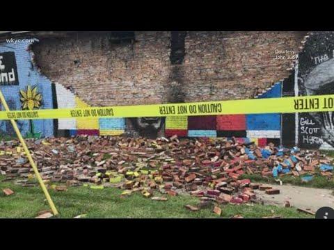 Ohio mural honoring George Floyd collapses