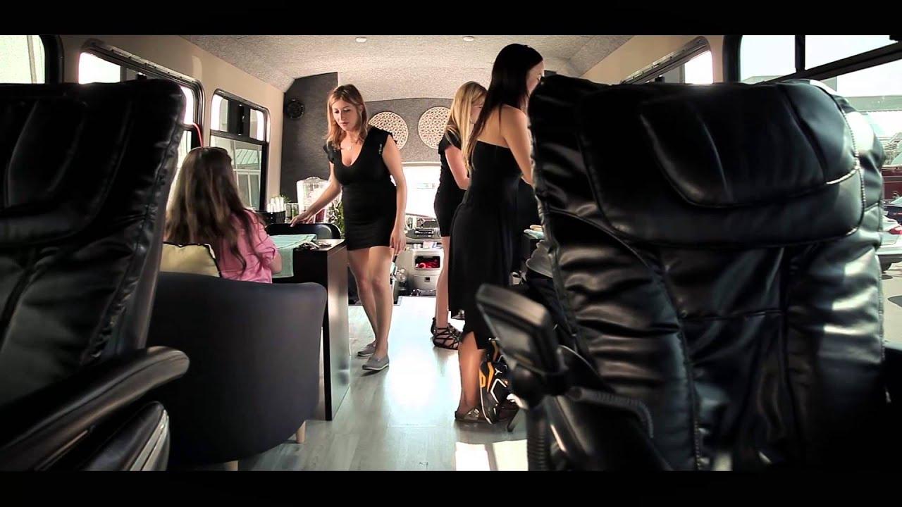 Deelux mobile spa bus youtube for Bus mallemort salon
