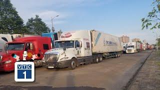 """Trung Quốc """"cấm cửa"""" hàng trăm xe container Việt Nam"""