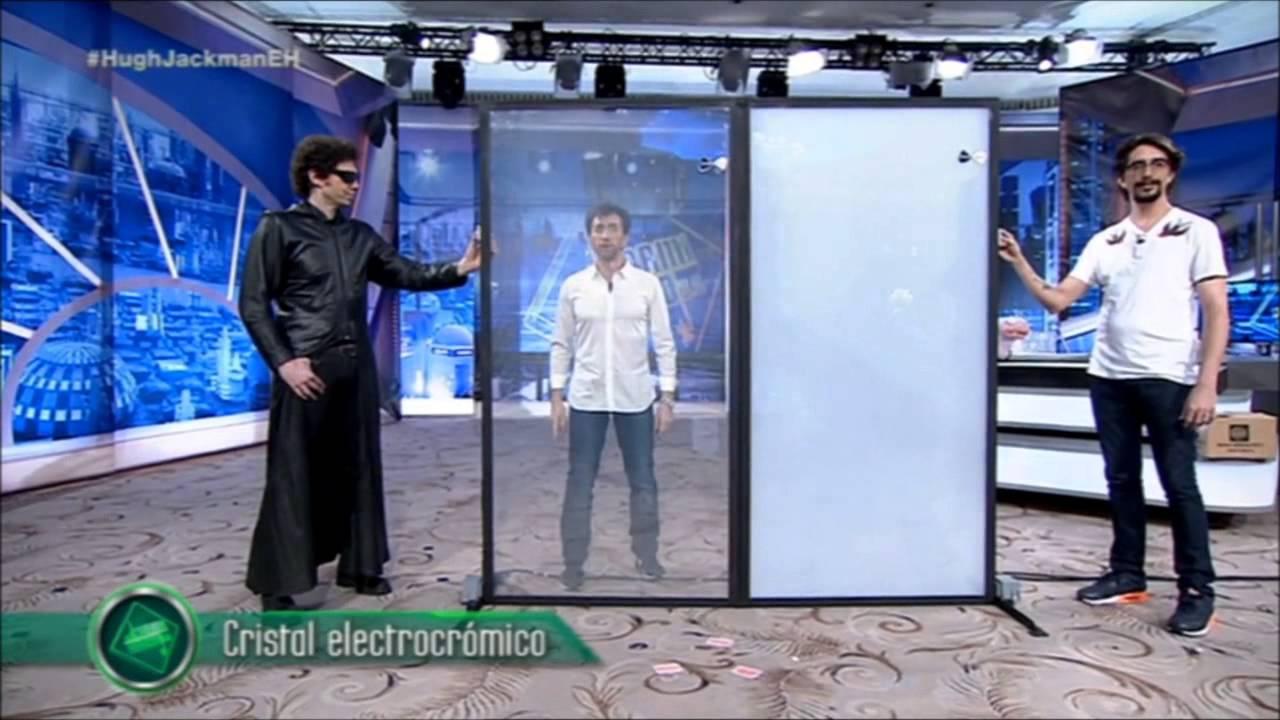 Dreamglass hugh jackman plays with smart glass on antena3 youtube eventelaan Choice Image