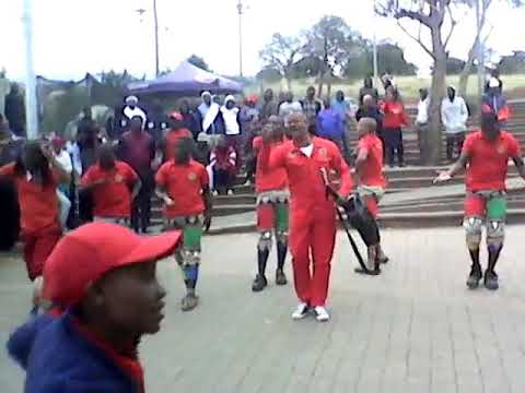 Gadla Nxumalo - Zingane Lezi Egila Into Yamehlo