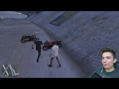 GTA 5 EFSANE HAREKETLERİ YAPMAYI DENEDİK !