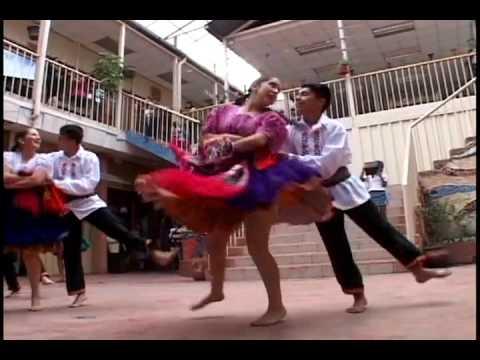 Danza Chola Cuencana Grupo de danza Churi Yaku