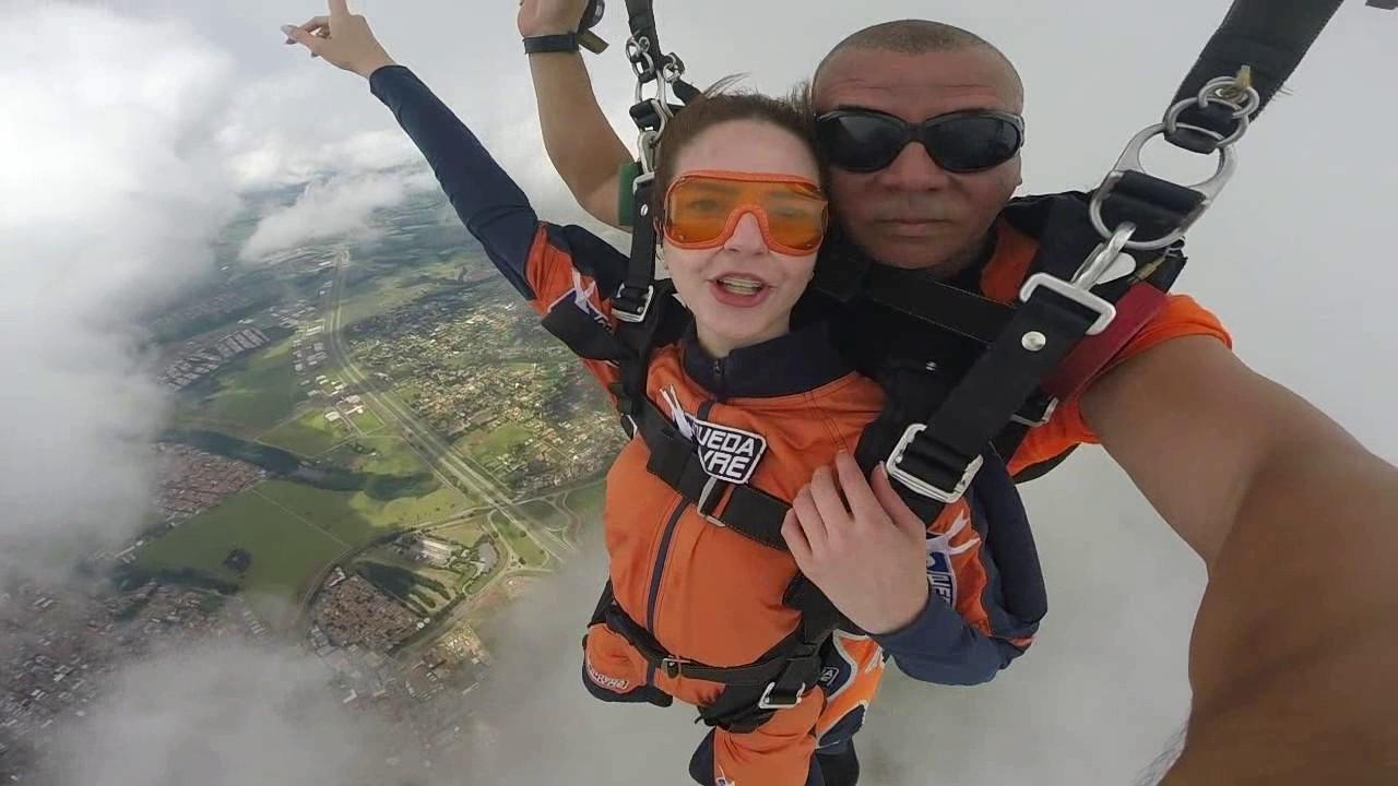 Salto de Paraquedas da Juliana na Queda Livre Paraquedismo 07 01 2017