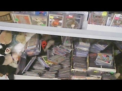FINDING HIDDEN GEMS IN SLOPPY BASEBALL CARD DISPLAYS AT AN INDOOR FLEA MARKET