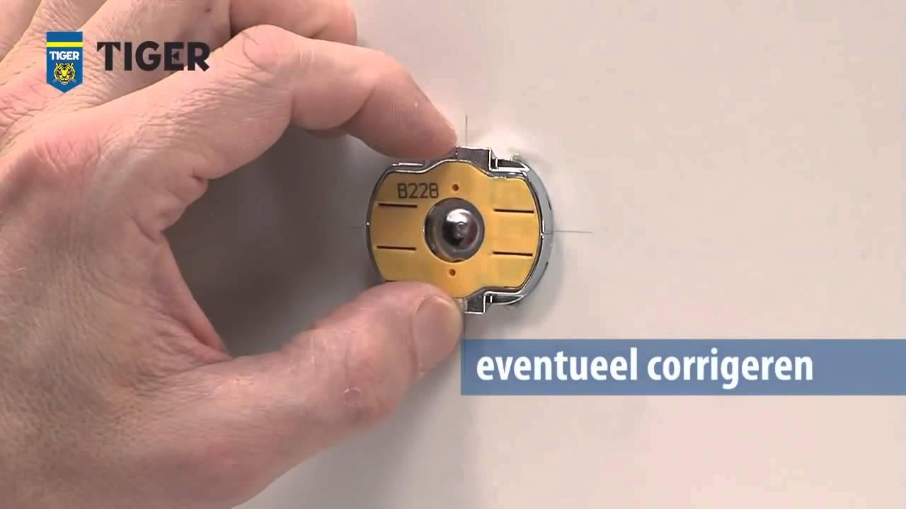 Boren In Tegels : Klusadvies badkameraccessoires monteren zonder gaten te boren
