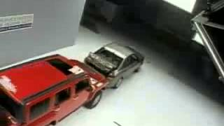 Voiture Crash Test Bumper to Bumper Test 2008 - 20__ Hummer H3 and 2008 - 20__ Hyundai Sonata