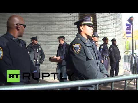USA: Petraeus student centre protests continue