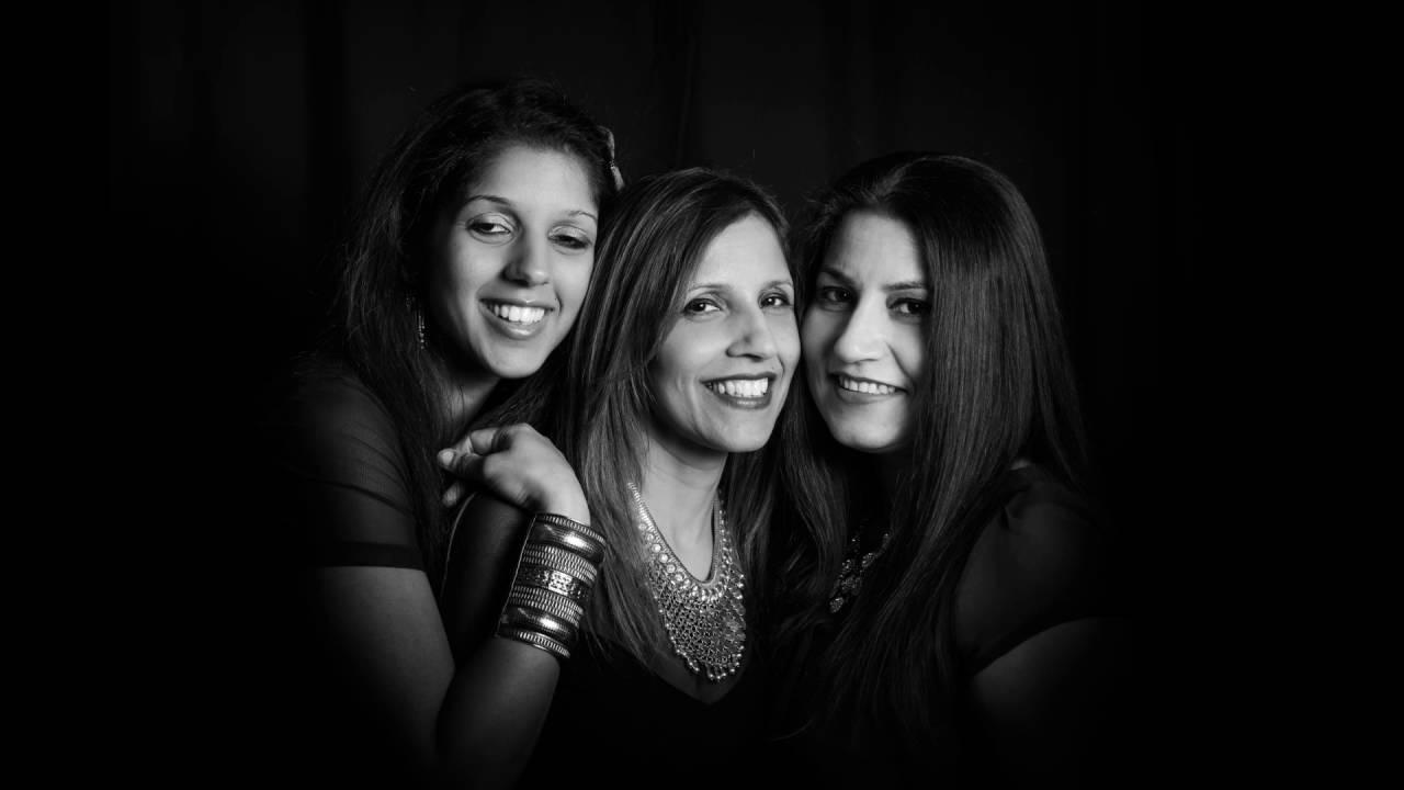 Photo noir black white portrait photography professional headshot photo shoot fife