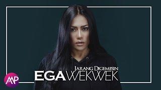 Gambar cover Ega Wek Wek - Jarang Digemesin (Official Music Video)