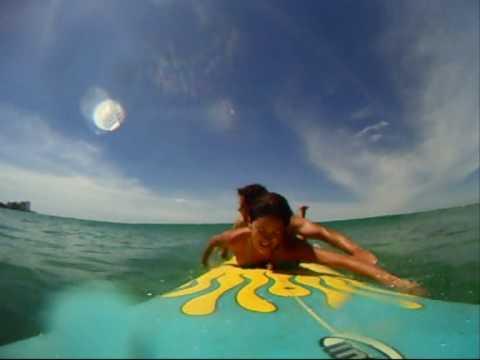 Tandem surfing Kelly & Rico Waikiki