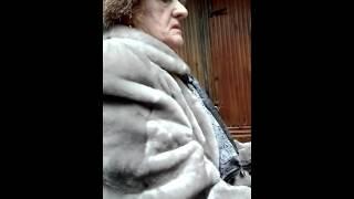 Жёсткая бабуля,играет в аппараты(слоты)