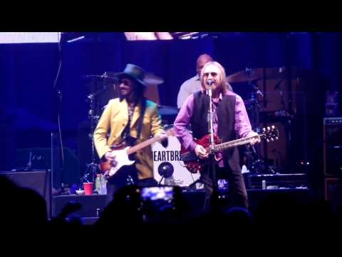 Tom Petty and the Heartbreakers Mary Jane's Last Dance Dallas 4-22-2017