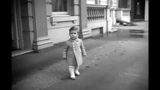 Une vidéo de la reine Elisabeth II en jeune maman