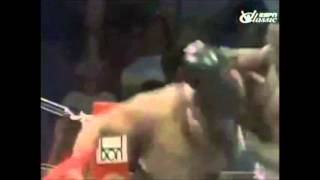 Muhammad Ali dodges 21 punches in 10 seconds with style