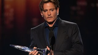 Johnny Depp Thanks Fans During AWKWARD Speech at 2017 People