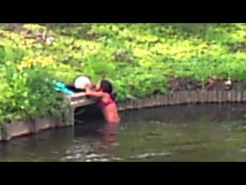 zwemmen in de sloot van venhuizen