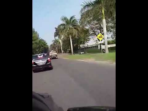 #ngegrabmakinasyik Iring2 500 mobil grab tpi menuju pantai lagundi Carita Banten