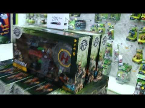 "Bangkok ""Toys R Us"" Pick Ups December 2013"
