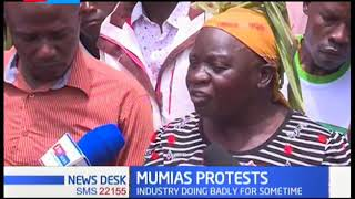 Some farmers in Mumias took to the streets in protest to the management of Mumias Company