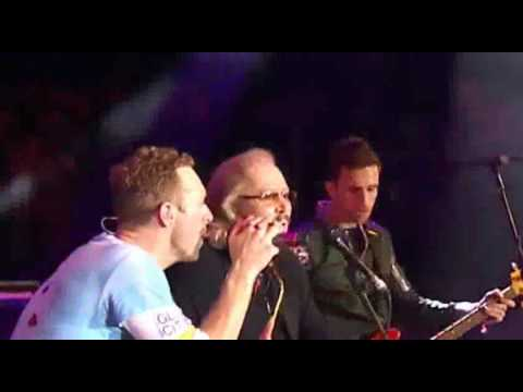 BARRY GIBB feat COLDPLAY Stayin' Alive Live  2016