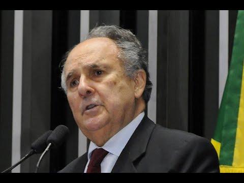 Cristovam Buarque lamenta situação das  instituições públicas de ensino superior no país