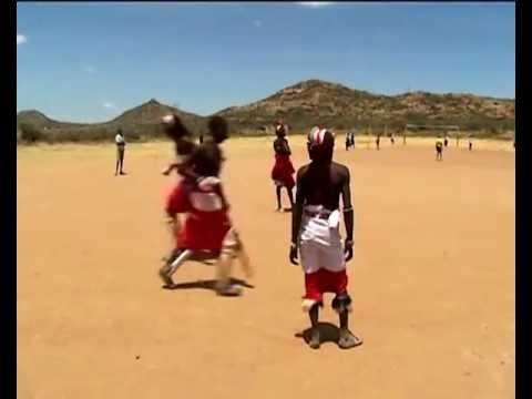 Cricket, Kenya: Masai con divise etniche