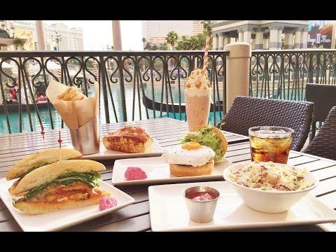 Best Outside Dining Venetian Las Vegas Burger And Beer Restaurant Gondolas