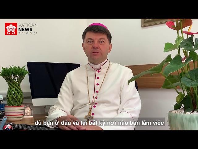 Đức TGM Marek Zalewski nói với giới trẻ Công giáo Việt Nam