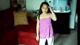 Baixar Jasmine B trying dance to Sean Paul
