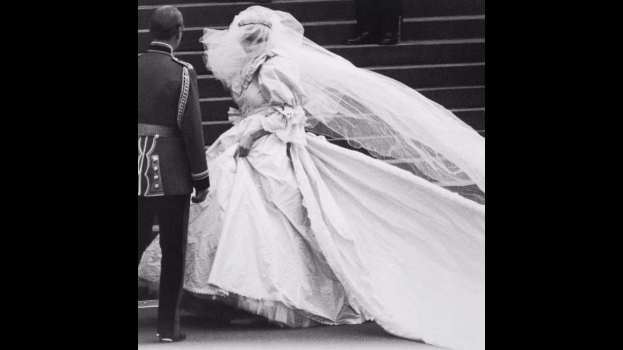 The Story Behind Princess Diana\'s Wedding Dress - YouTube