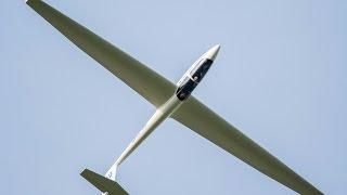 Glider high speed low pass!