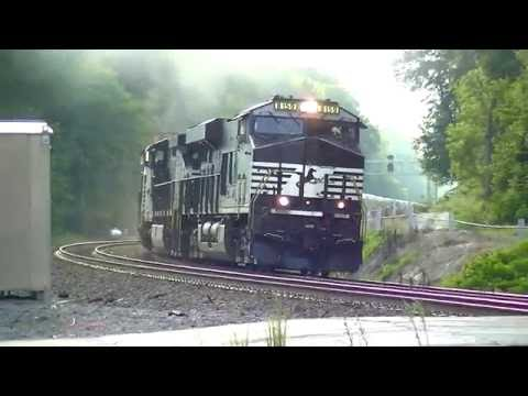 Norfolk Southern SB Autoracks and Intermodal in Mableton,Ga 07-21-2016©