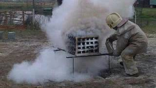видео Огнетушитель ОВП-40(з)-АВ МИГ | Купить по выгодной цене в АЛАРМ 01 | воздушно-пенный | Пожтехника | передвижной | Сертификаты | Паспорт