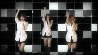 FeamのMVです。:Yuki、Chiaki、Mari の3人です(2009年4月当時) So...