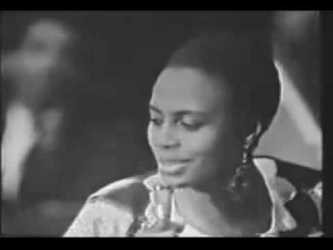 Miriam Makeba dies Performing Pata Pata in Italy
