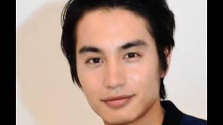 朝日新聞 俳優の中村蒼さん(25)が21日、自身のブログで、一般女性...