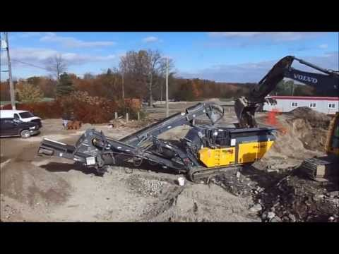 Crushing construction debris with a RM 80GO! - golf club house in the greater Toronto area