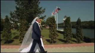 Выездной регистратор на свадьбу в Москве - Арина Горанкова | Красивая выездная регистрация у реки