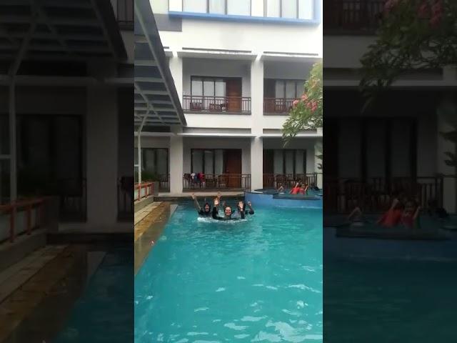 Robby R Lagi berenang di palupi