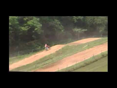 video de moto de cross de ouf age 15