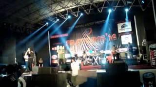 "Awesome LIVE Performance ""MANALI TRANCE"" by Neha Kakkar......@ VJTI, Mumbai"