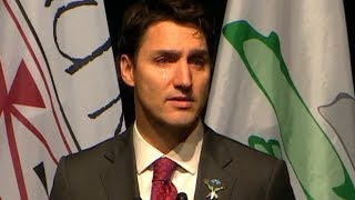 Tearful Justin Trudeau apologizes to residential school survivors in Newfoundland