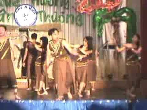 2005 Gala _ Dong Mau Lac Hong
