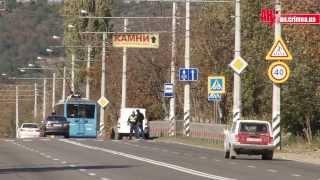 Дорожные знаки 40 на трассе Симферополь  Алушта(, 2013-10-21T17:11:44.000Z)