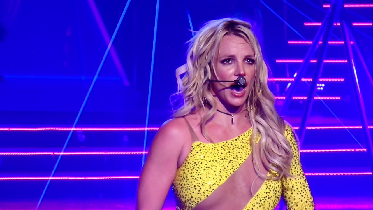 Britney Spears - Do you wanna come over @ Planet Hollywood ...